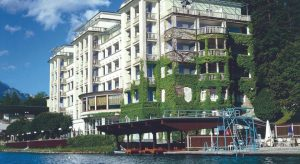 "Hotel ""Toplice"" - na fotografiji je vidljivo i spremište za čamce ispred hotela"